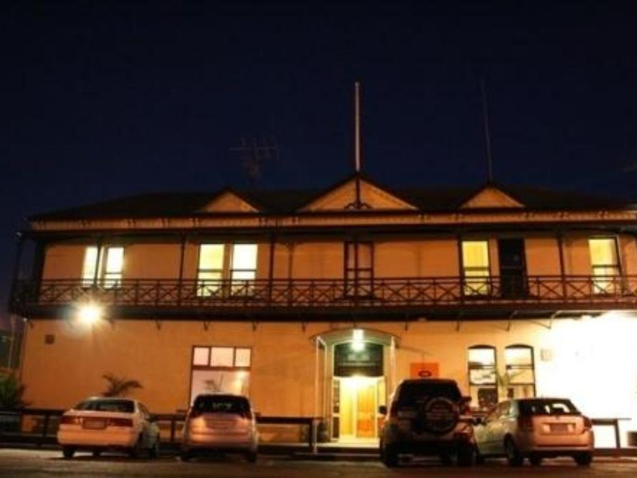 Customhouse Hotel & Backpackers - Hotels and Accommodation in New Zealand, Pacific Ocean And Australia