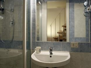 Trastevere Apartments Rome - Bathroom