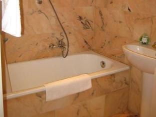 Puzzlehotel Apartment Mariannengasse Vienna - Bathroom