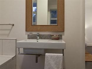 The Grange Guest House Durban - Vanity For Room 6
