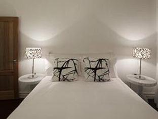 The Grange Guest House Durban - queen room of two bed suite