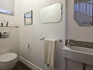 The Grange Guest House Durban - reception bathroom
