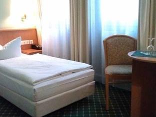 Hotel Kubrat in Helle Mitte Berlin - Guest Room