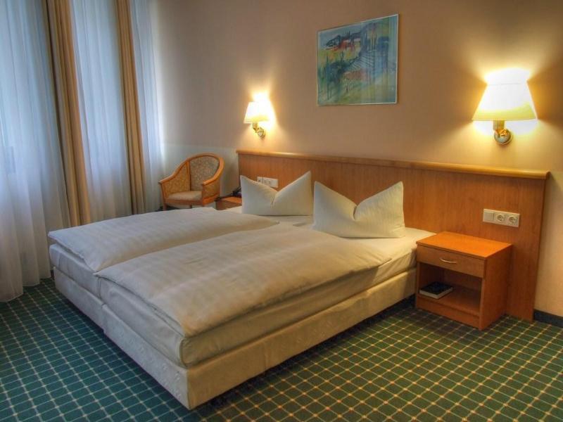 Hotel Kubrat in Helle Mitte برلين