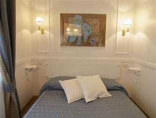 InternoRoma Guest House Rome - Double bed of economy room