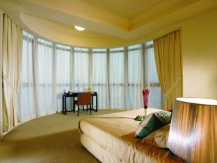 Sri Tiara Condominium - Room type photo