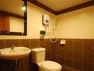 Hotel Ninety Six Batu Berendam Malacca / Melaka - Bathroom