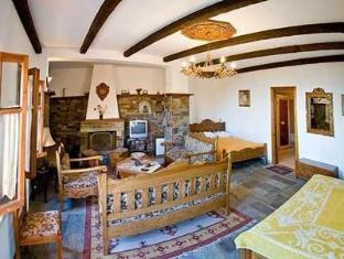 Arhontika Saltis Hotel Makrinitsa - Guest Room