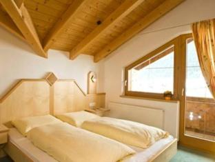 Hotel Sabine Galtur - Guest Room