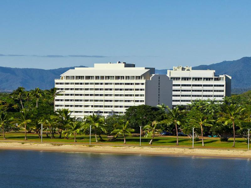 Holiday Inn Cairns Harbourside Hotel Cairns