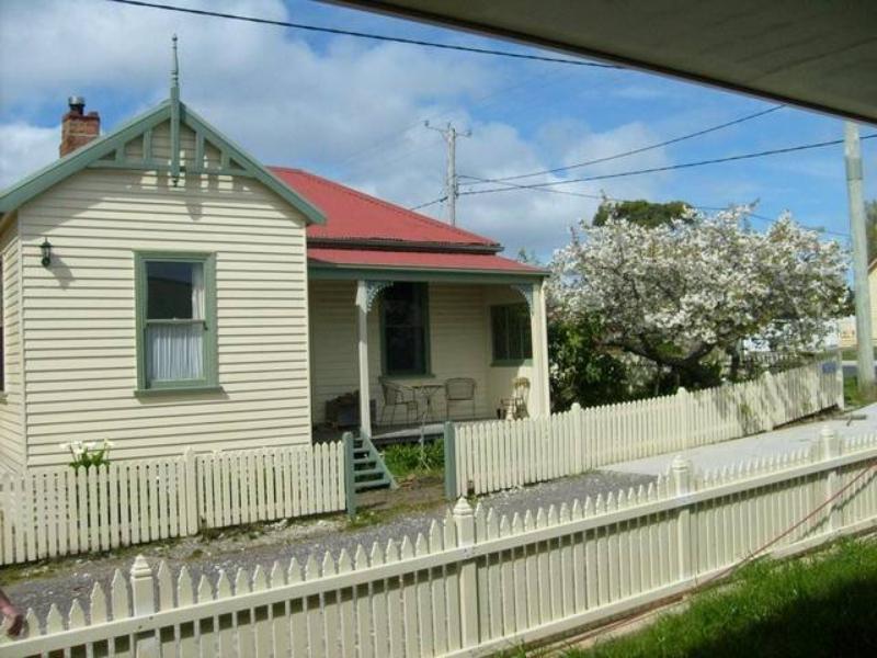 McIntosh Cottages - Hotell och Boende i Australien , Strahan