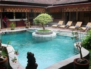 Umaseni Villa Bali - Swimming pool