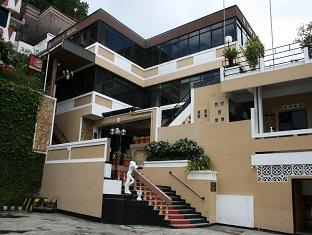Hotell Villa 2000