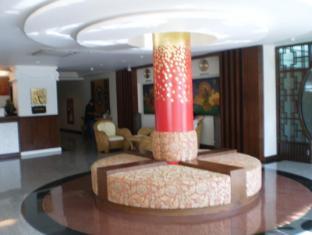 Wangburapa Grand Hotel Chiang Mai - Lobby