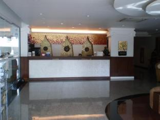 Wangburapa Grand Hotel Chiang Mai - Reception