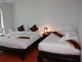 Wangburapa Grand Hotel Chiang Mai - Triple Deluxe Room