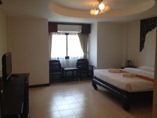 Wangburapa Grand Hotel Chiang Mai - Guest Room