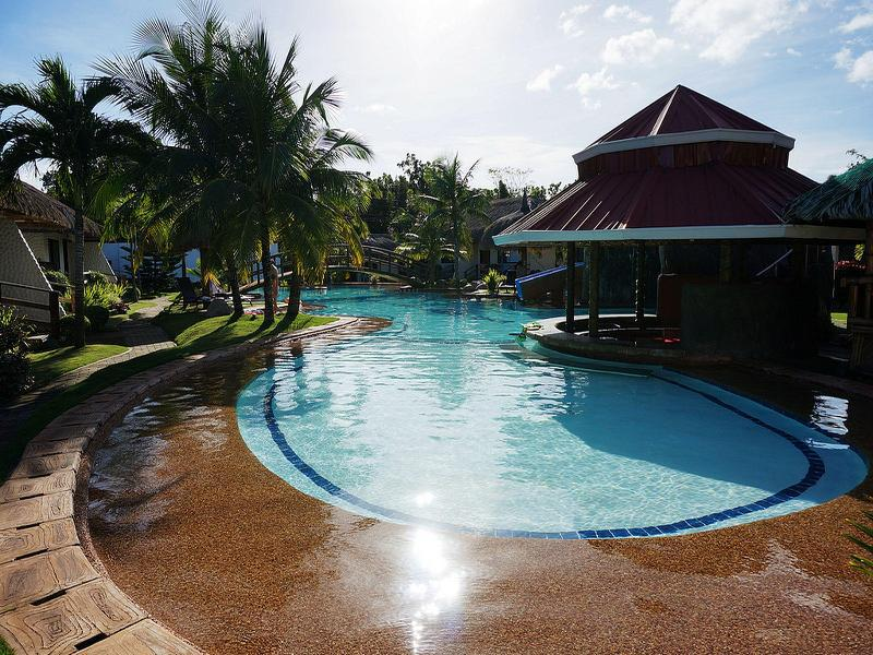 Bohol Wonderlagoon Resort בוהול