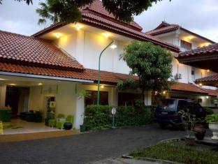 Photo of Lodging Hotel Sadinah Solo (Surakarta), Indonesia