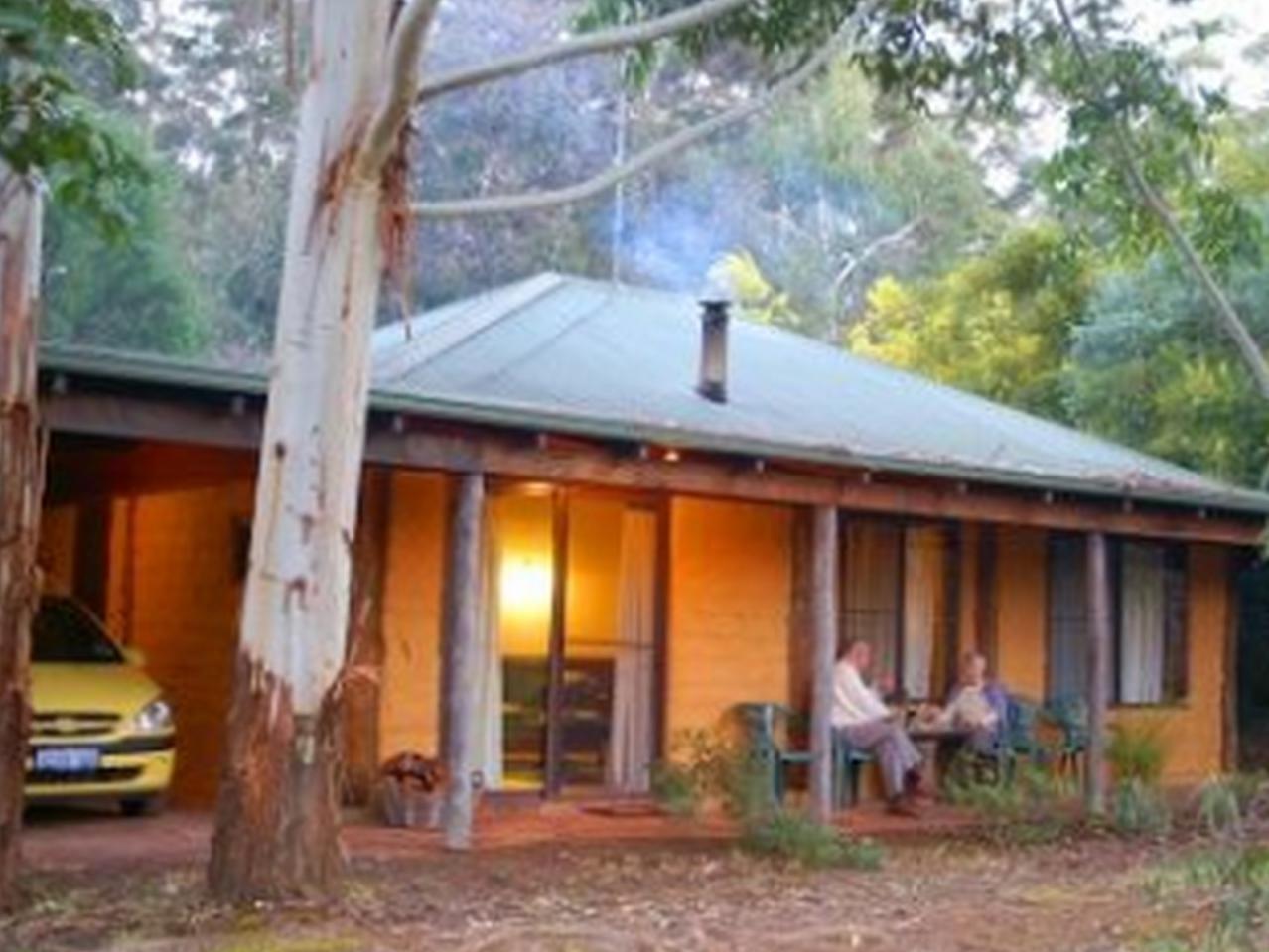 Treenbrook Cottages - Hotell och Boende i Australien , Pemberton