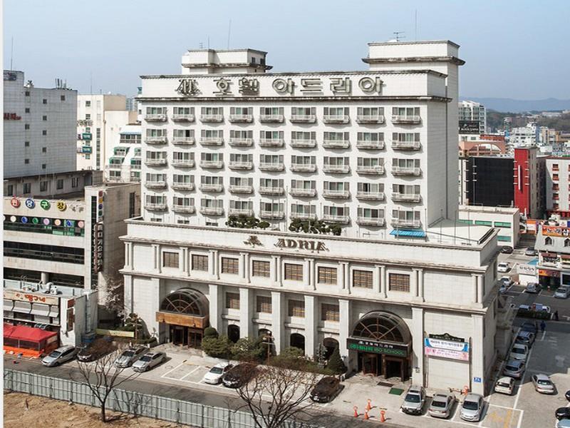 โรงแรม โฮเต็ล เอเดรีย  (Hotel Adria)