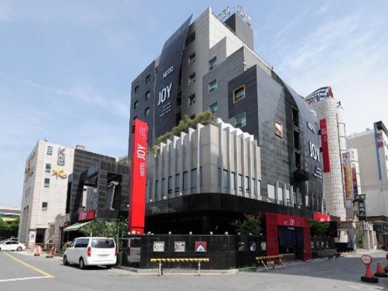 โรงแรม จอย ทัวร์ริส โฮเต็ล  (Joy Tourist Hotel)