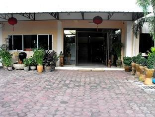 Nana Apartment Phrae - Exterior