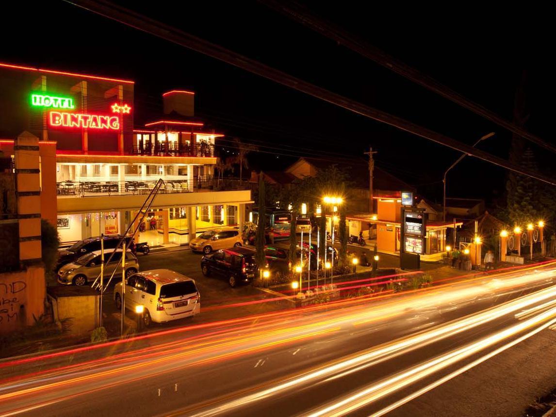 Hotel bintang tawangmangu tawangmangu city tawangmangu for Design hotel bintang 3