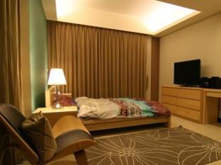 Deb's Serviced Apartment - Room type photo