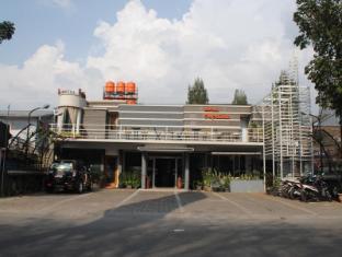 Hotel Sepuluh Lingkar Selatan Indonesia