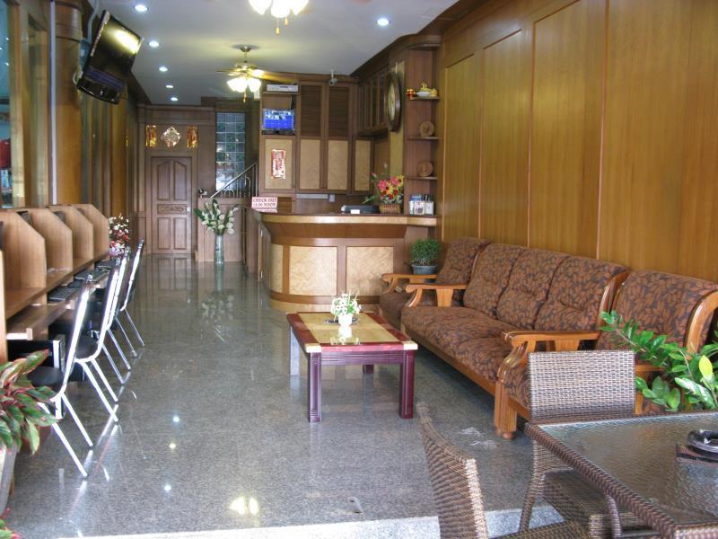Sabai Inn Patong Phuket פוקט