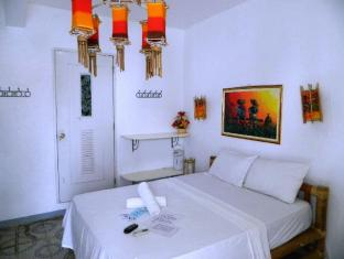 Alla Luna Rossa Beach Hotel Boracay Island - Guest Room
