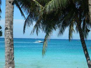 Alla Luna Rossa Beach Hotel Boracay Island - Beach