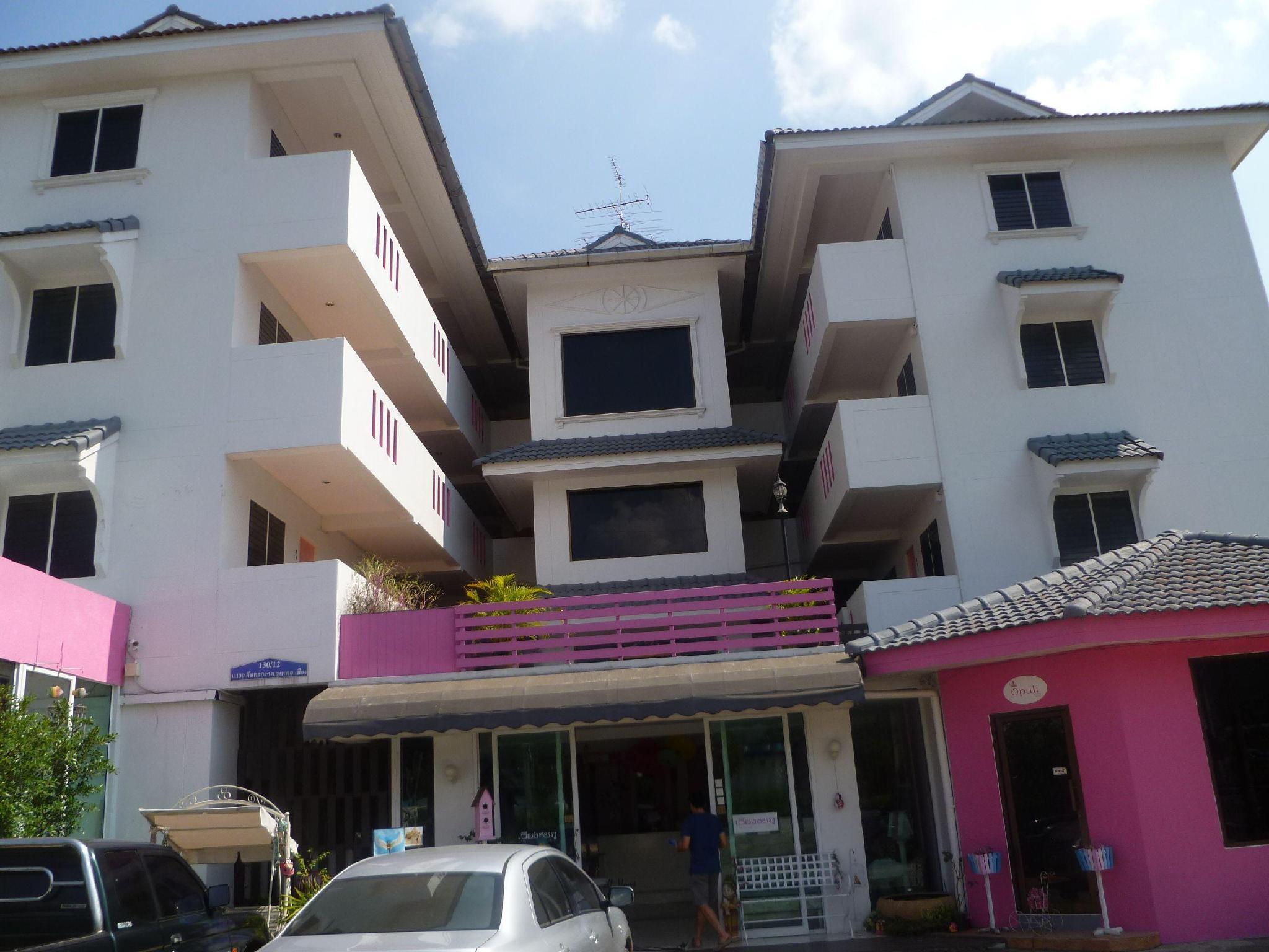 Hotell Wiangchomphu Hotel i , Chiang Mai. Klicka för att läsa mer och skicka bokningsförfrågan