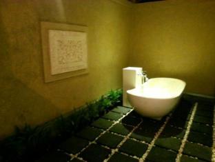 蘇崑峇里島別墅酒店 峇里 - 衛浴間