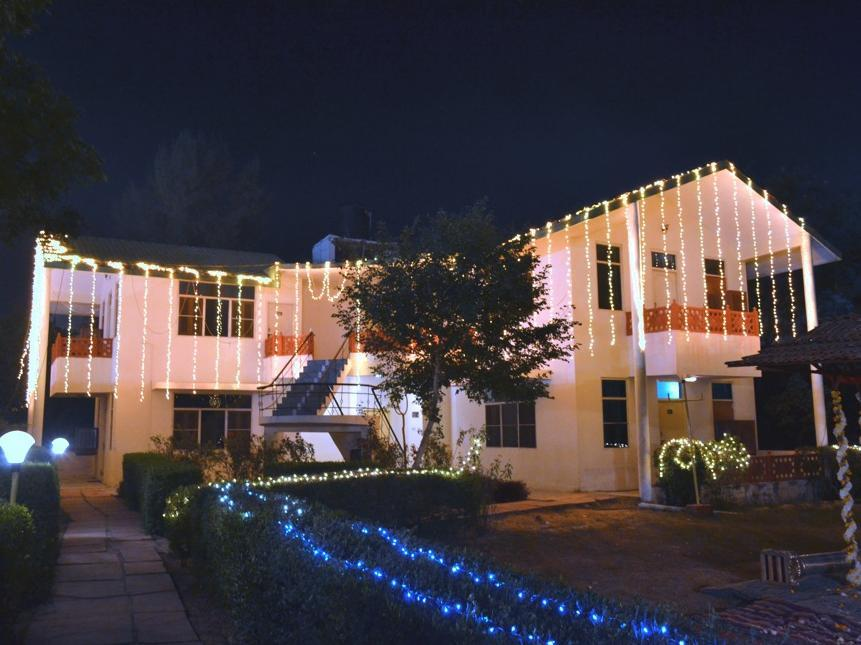 Swaraj Resorts - Hotell och Boende i Indien i Bharatpur