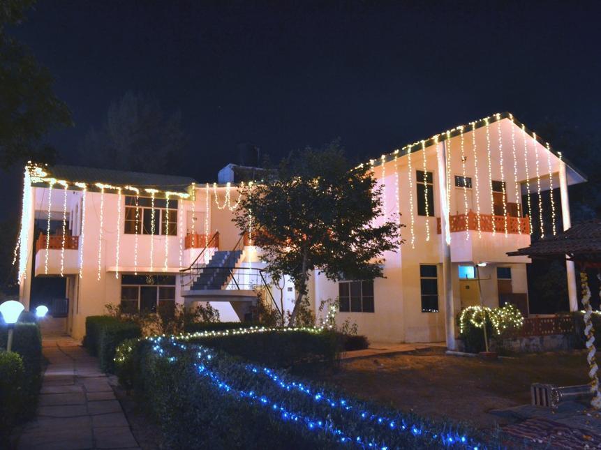 Hotell Swaraj Resorts