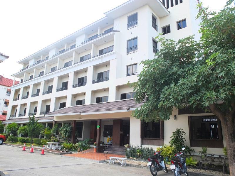 Baan Khun Poh Hotel