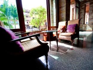 Crystal Palace Hotel Pattaya Pattaya - Lobby