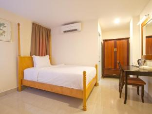 Lotus Hotel Masjid India Kuala Lumpur - Superior Single