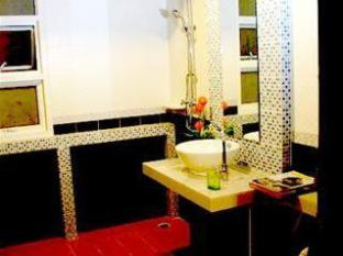 阿瑪林芭東海灘旅館 普吉島 - 衛浴間