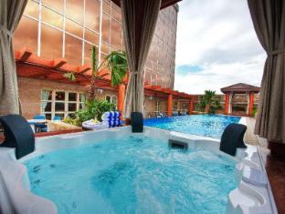 Maxims Hotel Μανίλα - Πισίνα