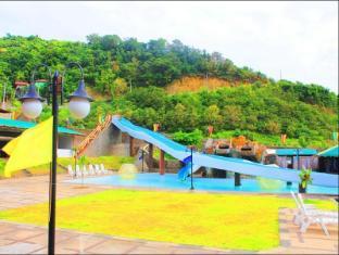 Seas Spring Resort Batangas - Swimming Pool