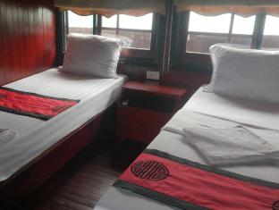 Halong Dolphin Junks Halong - Twin room 2 days 1 night