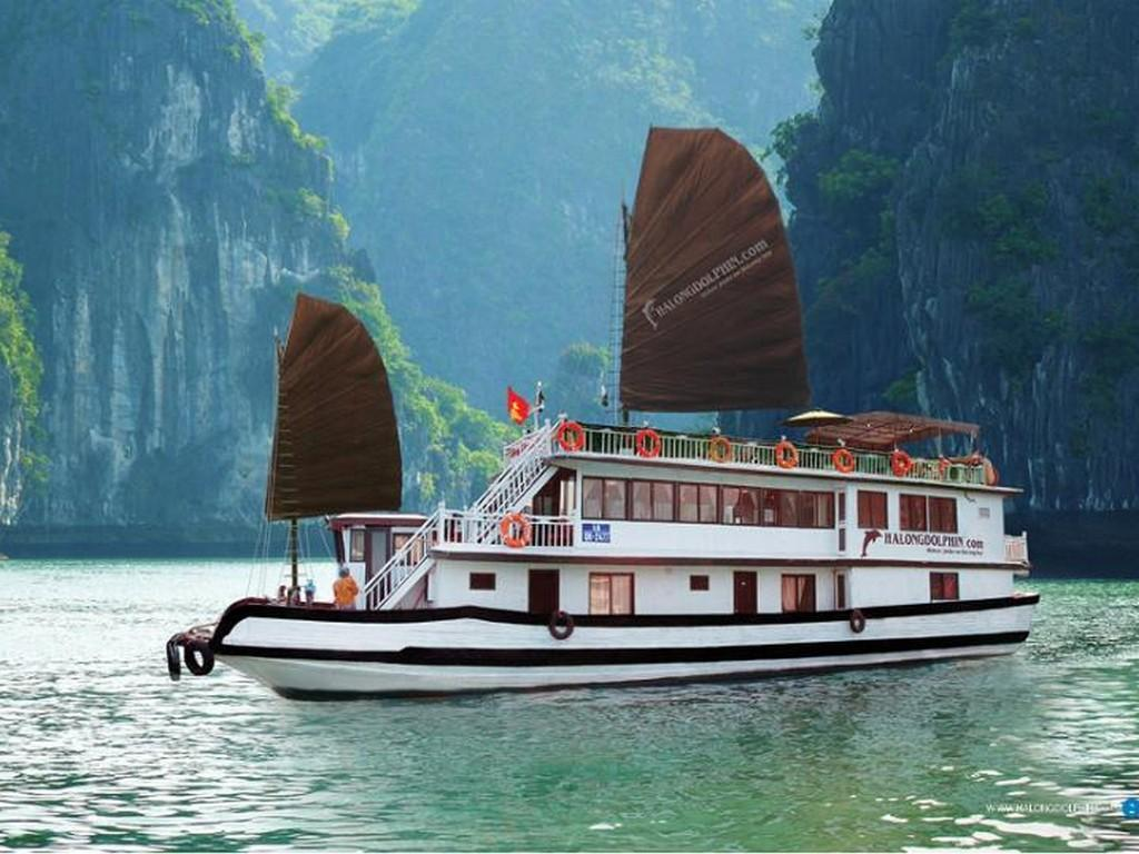 Halong Dolphin Junks Halong - Outside View