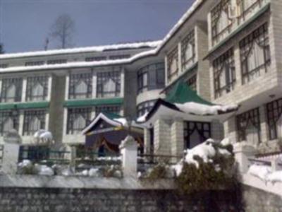 Hotel Chandermukhi - Hotell och Boende i Indien i Manali