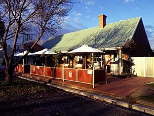 Emeu Inn Restaurant, Bed & Breakfast and Wine Centre 艾美乌餐厅床早餐红酒酒店