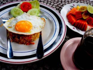Desak Putu Putera Homestay Bali - Makanan dan Minuman