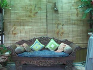 Desak Putu Putera Homestay Bali - Hotellin sisätilat