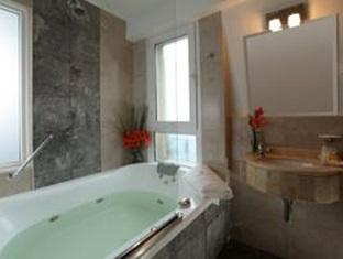 Europlaza Hotel and Suites Buenos Aires - Bathroom